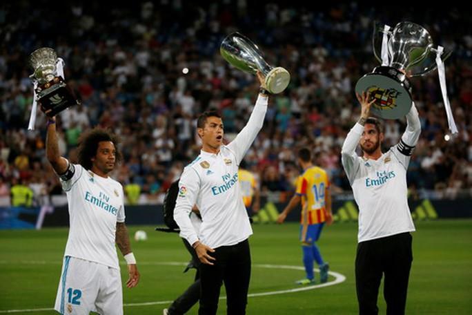 Sao trẻ Asensio tỏa sáng, Real Madrid thoát hiểm ngày nhận cúp  - Ảnh 2.
