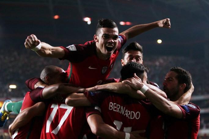 Ngược dòng ngoạn mục, Bồ Đào Nha đoạt vé đến World Cup - Ảnh 5.