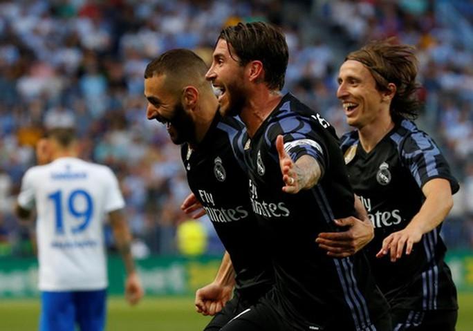 Real Madrid vô địch ở Rosaleda, Barcelona mất ngôi La Liga - Ảnh 3.