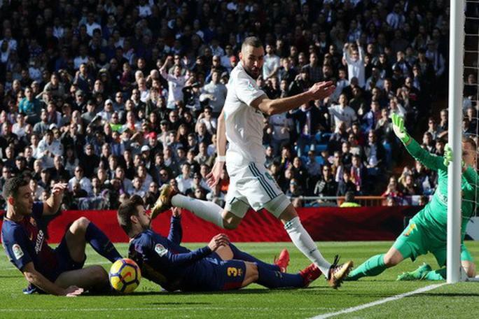 Thất bại siêu kinh điển, Real Madrid lỡ đại tiệc Giáng sinh - Ảnh 3.