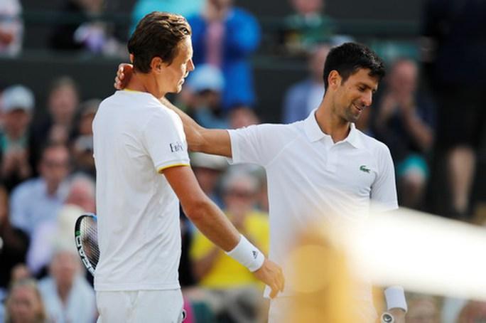 Sốc với nguyên nhân Djokovic bỏ cuộc ở tứ kết Wimbledon - Ảnh 3.