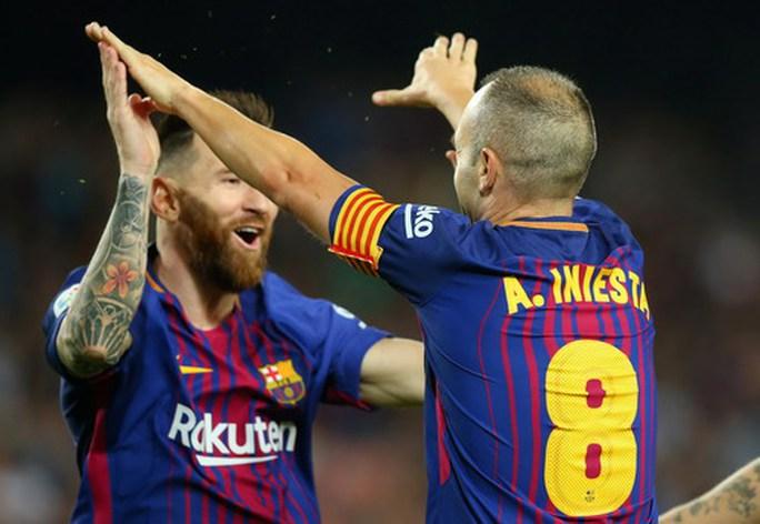 Trọng tài tặng 3 điểm, Barcelona tăng tốc dẫn đầu La Liga - Ảnh 6.