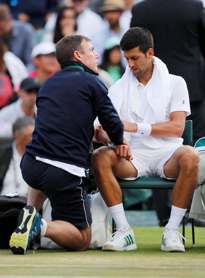 Sốc với nguyên nhân Djokovic bỏ cuộc ở tứ kết Wimbledon - Ảnh 2.