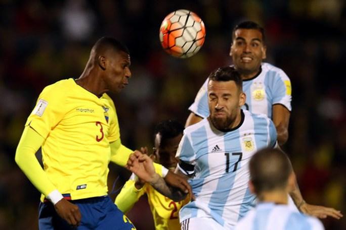Lập hat-trick, Messi giành vé World Cup 2018 cho Argentina - Ảnh 1.