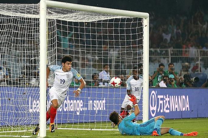 Ngược dòng ngoạn mục, tuyển Anh vô địch World Cup U17 - Ảnh 4.