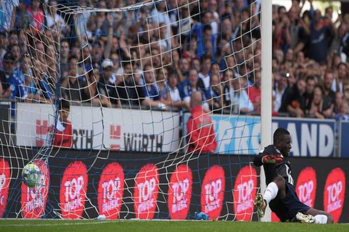 Dùng 3 thủ môn trong trận, Lille thủng lưới đủ ba bàn - Ảnh 5.