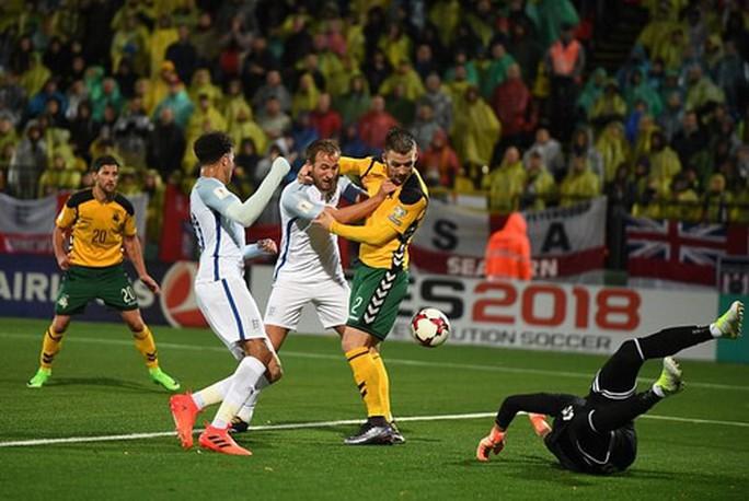 Anh, Đức bất bại, đại bàng trắng Ba Lan bay thẳng đến World Cup - Ảnh 2.