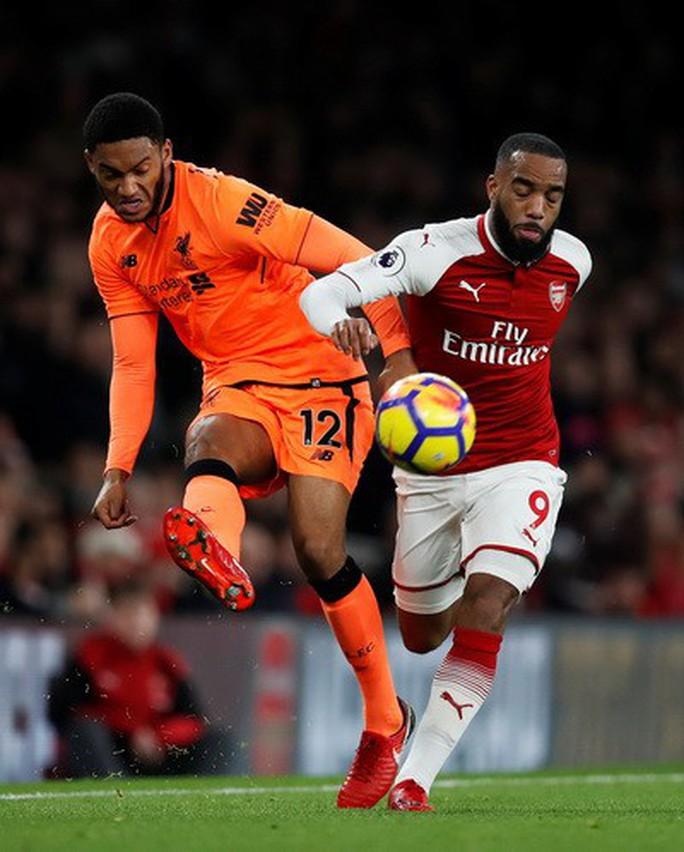 Ngược dòng điên rồ, Arsenal chia điểm Liverpool ở Emirates - Ảnh 2.