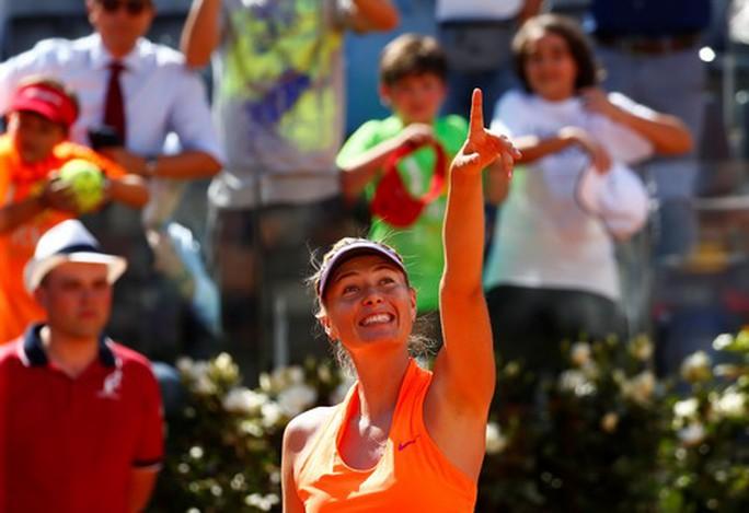 Wimbledon sốt sớm với Maria Sharapova - Ảnh 4.