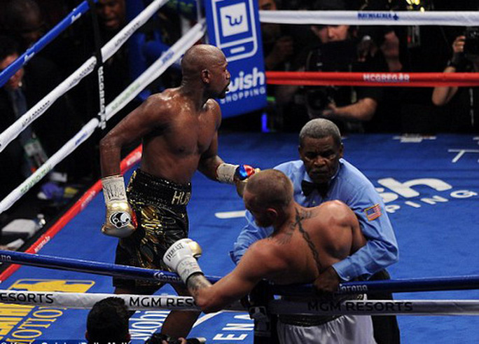 Mayweather hạ nốc-ao McGregor trận so găng tỉ đô - Ảnh 5.