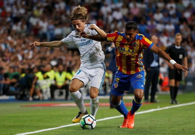 Sao trẻ Asensio tỏa sáng, Real Madrid thoát hiểm ngày nhận cúp  - Ảnh 4.