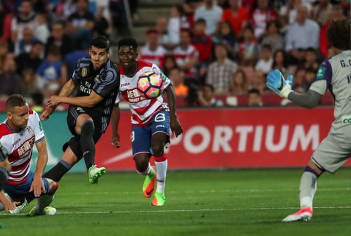 Messi lập siêu phẩm, Barcelona giữ chắc ngôi đầu La Liga - Ảnh 7.