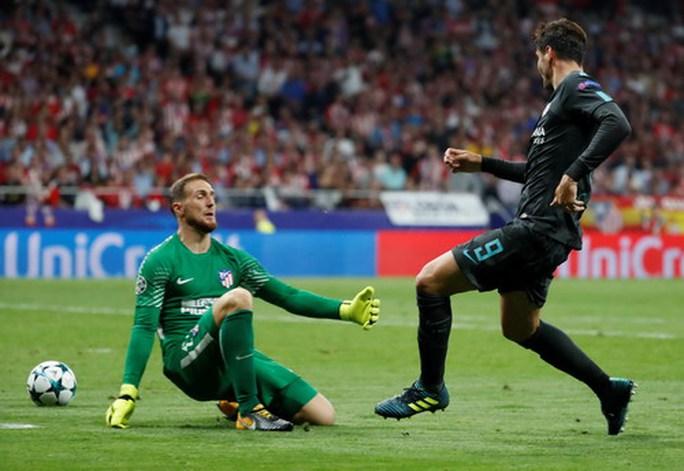 Courtois đào ngũ, Chelsea hỏi mua Jan Oblak 100 triệu euro - Ảnh 6.