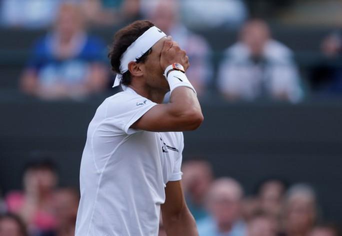 Cả Wimbledon sốc với thất bại của vua Nadal - Ảnh 3.