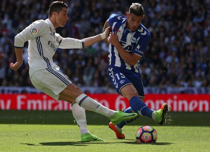 Ronaldo giờ lại kém duyên trước hàng thủ các đội bóng nhỏ