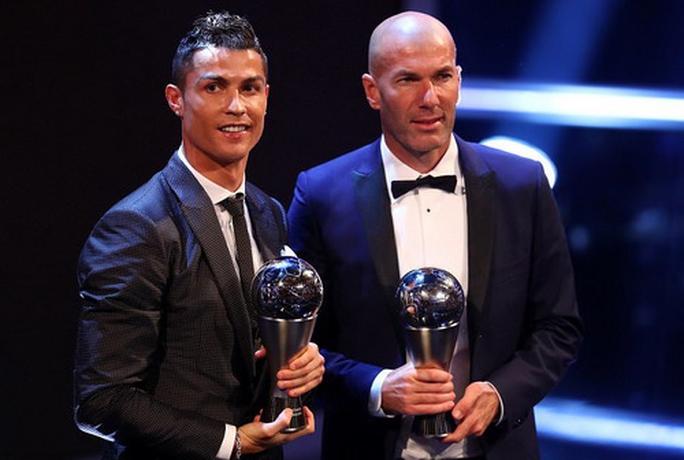 Bayern Munich chạy đua giành HLV Zidane với Man United - Ảnh 2.
