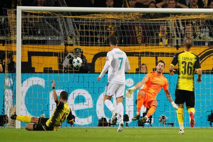 Ronaldo lập kỷ lục ghi bàn, Real Madrid đại phá Dortmund - Ảnh 3.