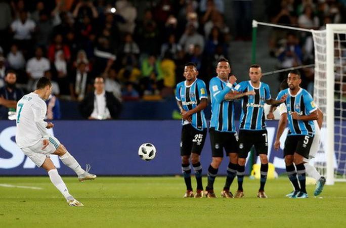 Ronaldo tỏa sáng, Real Madrid hoàn tất hat-trick World Cup - Ảnh 3.