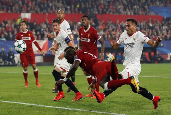Rượt đuổi tỉ số điên rồ, Liverpool mất điểm khó tin - Ảnh 2.