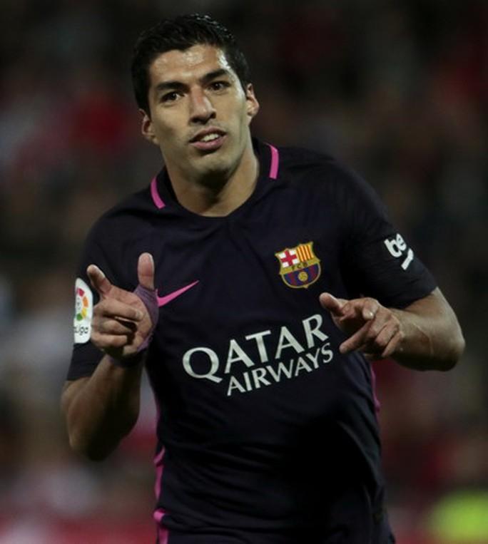Luis Suarez tỏa sáng khi Messi không ra sân