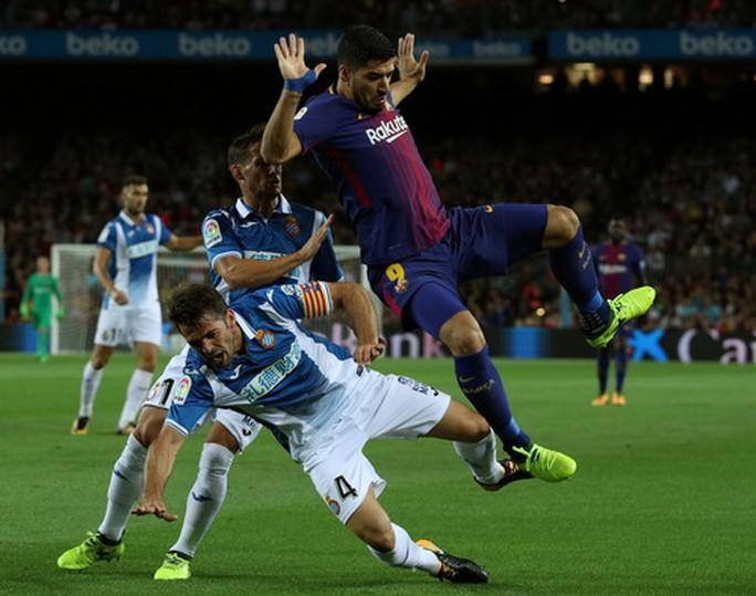 Messi lập hat-trick, Barcelona thắng đậm đại chiến Catalunya - Ảnh 2.