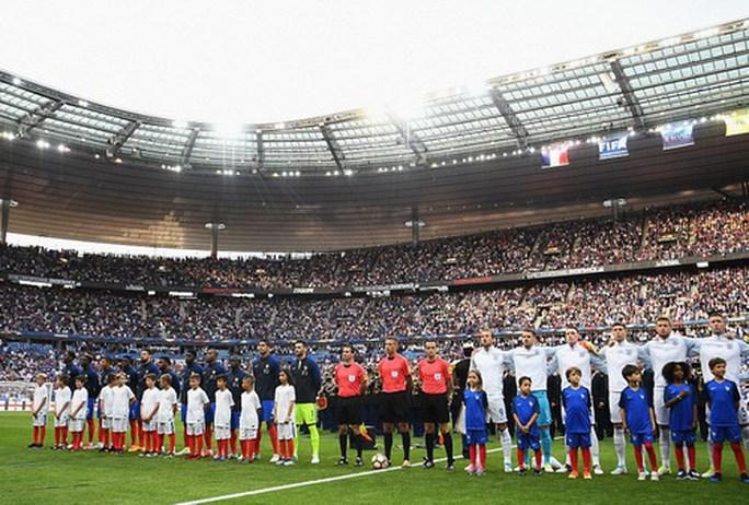 Hậu vệ ghi bàn, Pháp hạ nhục tuyển Anh ở Stade de France - Ảnh 2.