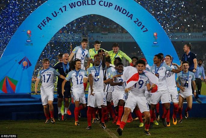 Ngược dòng ngoạn mục, tuyển Anh vô địch World Cup U17 - Ảnh 6.