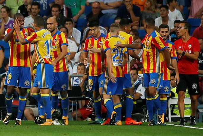 Sao trẻ Asensio tỏa sáng, Real Madrid thoát hiểm ngày nhận cúp  - Ảnh 7.
