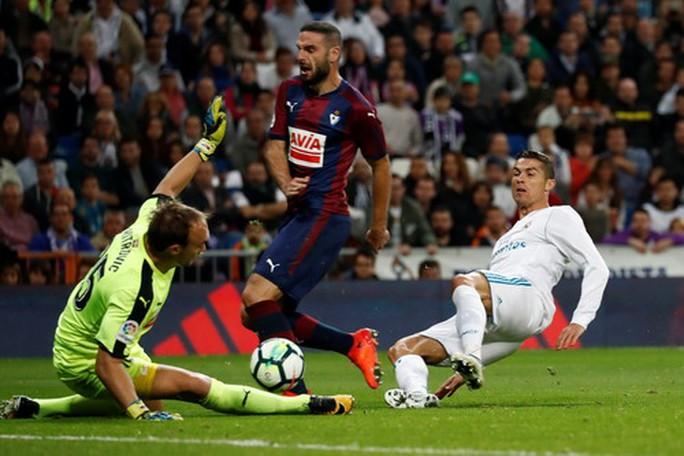 Ronaldo tịt ngòi, Real Madrid tiếp mạch thắng ấn tượng - Ảnh 4.