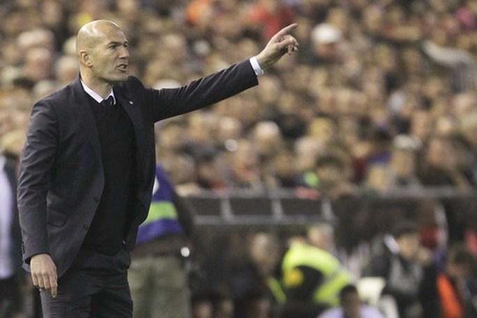 Bayern Munich chạy đua giành HLV Zidane với Man United - Ảnh 1.