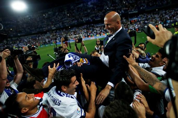 Real Madrid vô địch ở Rosaleda, Barcelona mất ngôi La Liga - Ảnh 6.