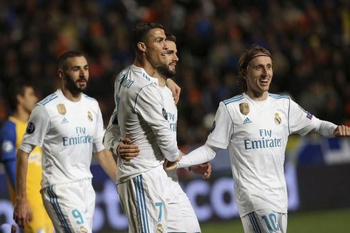 Cán mốc 100 bàn thắng, Ronaldo thành kỷ lục gia Champions League - Ảnh 3.