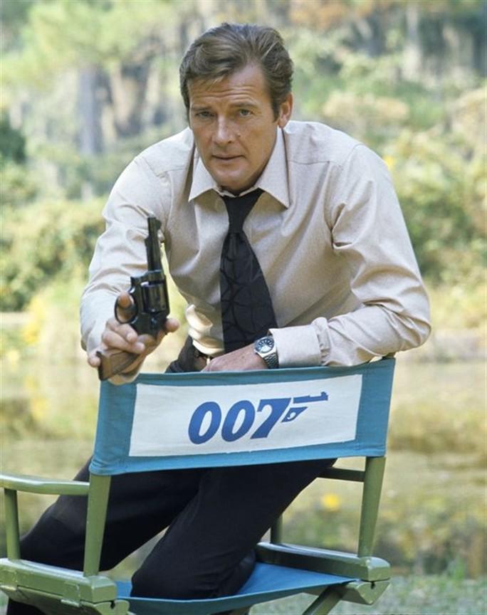 Thương tiếc điệp viên 007 Roger Moore qua đời vì ung thư! - Ảnh 5.
