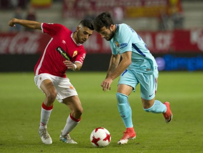 Trình làng hàng công mới, Barcelona trút giận trận mở màn Cúp Nhà vua - Ảnh 4.