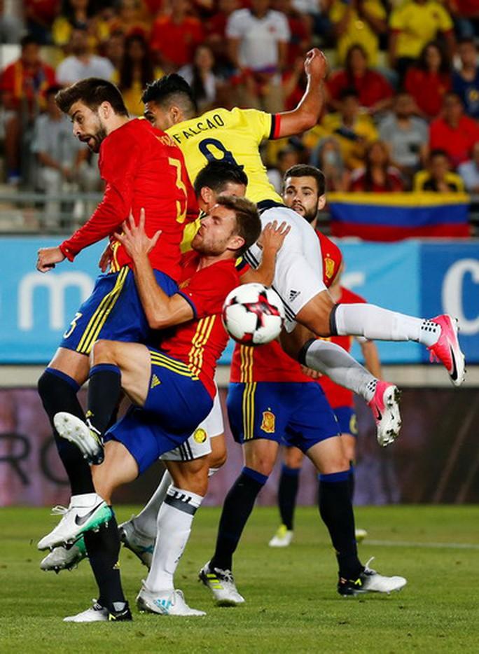 Tây Ban Nha nhọc nhằn hòa Colombia, Uruguay thua thảm trước Ý - Ảnh 4.