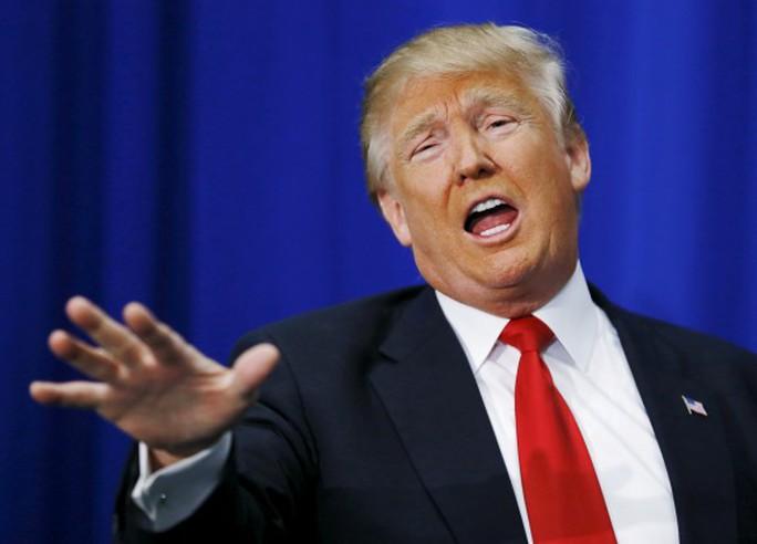 Tổng thống Donald Trump và giới truyền thông đang có quan hệ căng thẳng. Ảnh: Reuters