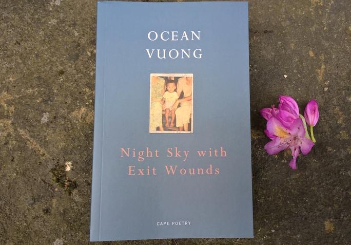 Bí mật của tác giả gốc Việt thắng giải Oscars trong lĩnh vực thơ ca - Ảnh 2.