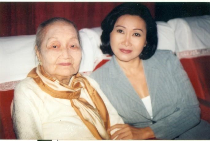 Học trò kỳ nữ Kim Cương hết mình với đệ tử Hoài Linh - Ảnh 1.