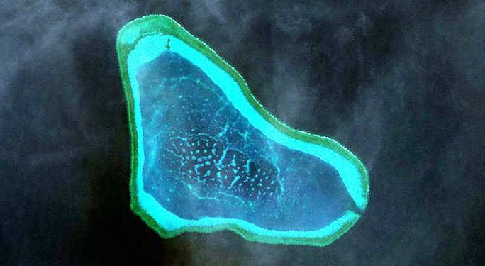 Hình ảnh vệ tinh của Bãi cạn Scarborough. Ảnh: Inquirer