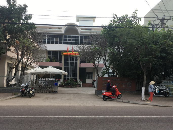 """Gần 2/3 công chức Sở Y tế Bình Định đều làm """"sếp"""" - Ảnh 1."""