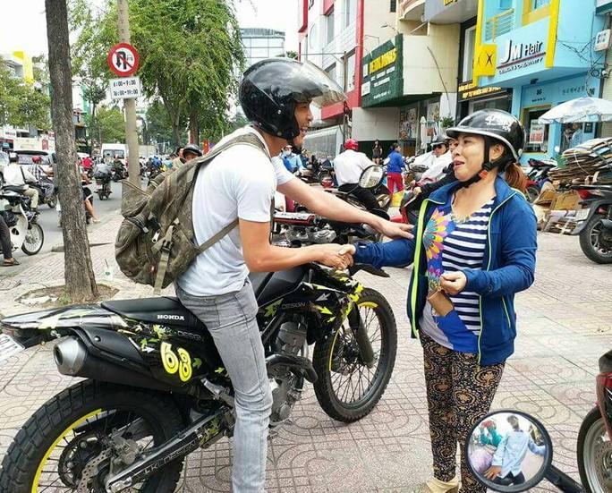 Soái ca bắt cướp giữa Sài Gòn làm xao xuyến cộng đồng mạng - Ảnh 1.