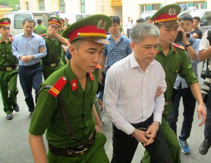 Tuyên án tử hình Nguyễn Xuân Sơn, chung thân Hà Văn Thắm - Ảnh 4.
