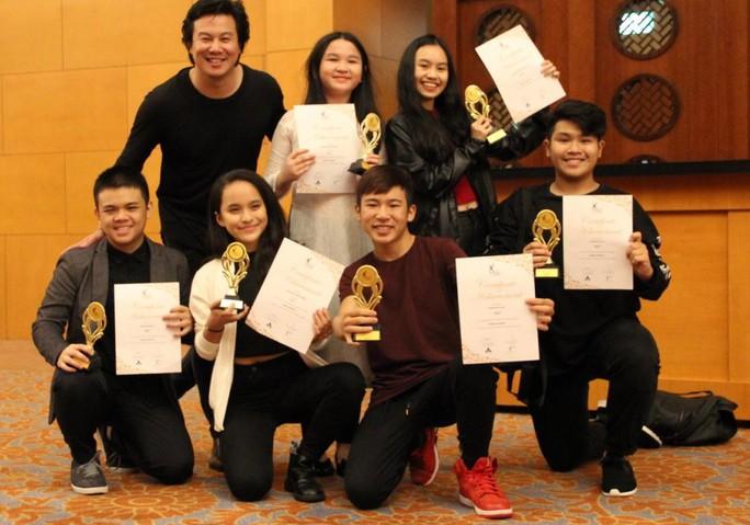 Đề cử Giải Mai Vàng 2017: Sôi động nhóm hát - Ảnh 4.