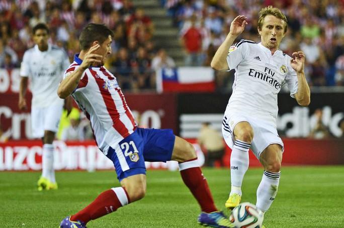 Modric bị cấm đá El Clasico vì thẻ đỏ từ năm 2014 - Ảnh 1.