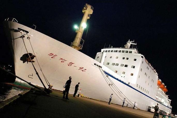 Phà Mangyongbong-92 nặng 9.000 tấn, có thể chở 200 hành khách và 1.500 tấn hàng. Ảnh: European Press