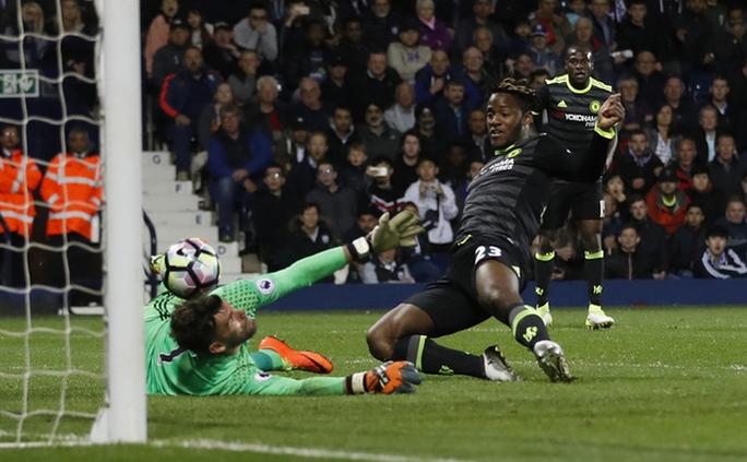 Chùm ảnh: Chelsea bay cao cùng chức vô địch - Ảnh 1.