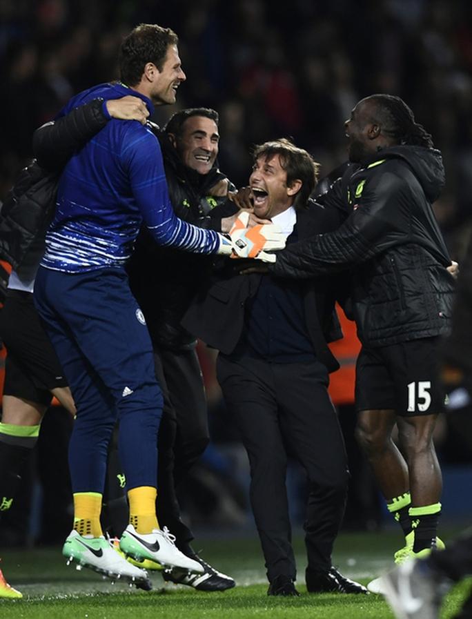 Chùm ảnh: Chelsea bay cao cùng chức vô địch - Ảnh 5.
