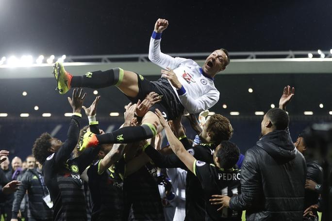 Chùm ảnh: Chelsea bay cao cùng chức vô địch - Ảnh 9.