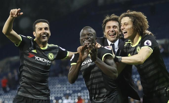 Chùm ảnh: Chelsea bay cao cùng chức vô địch - Ảnh 4.