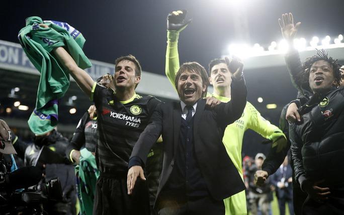 Chùm ảnh: Chelsea bay cao cùng chức vô địch - Ảnh 3.
